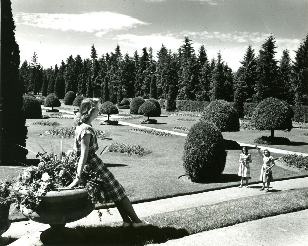 Title: Manito Park, Spokane, Date: 1940-1980, Photographer: Dyke, Walt, State Library Photograph Collection, 1851-1990, Washington State Archives, Digital Archives, http://www.digitalarchives.wa.gov, 04/04/2014.